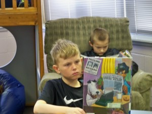 2016 1 28 4th grade reading in the library 023