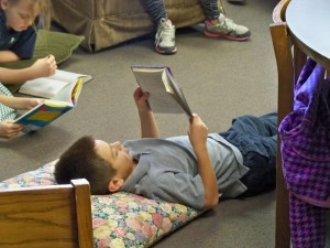 2016 1 28 4th grade reading in the library 027